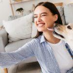 ¿Por qué nos lamen los perros?