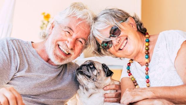 adultos-mayores-con-perro
